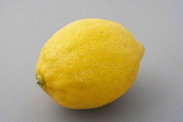 lemon for extracting seeds